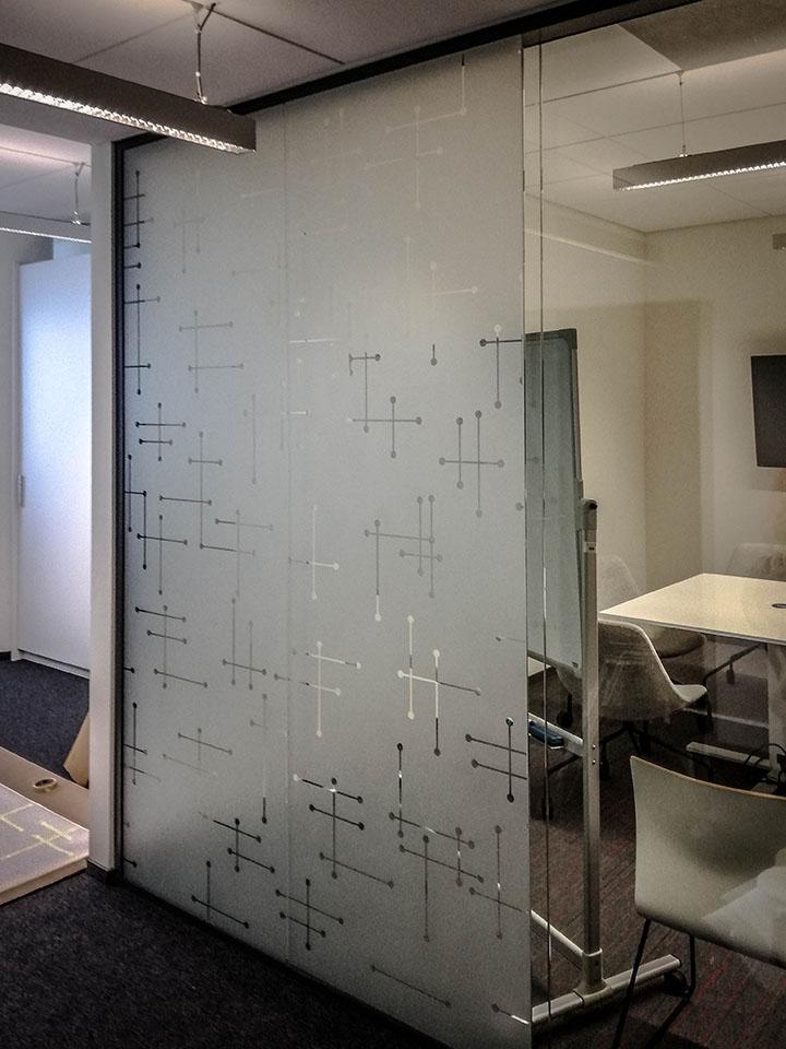 oklejanie przeszkleń biurowych warszawa