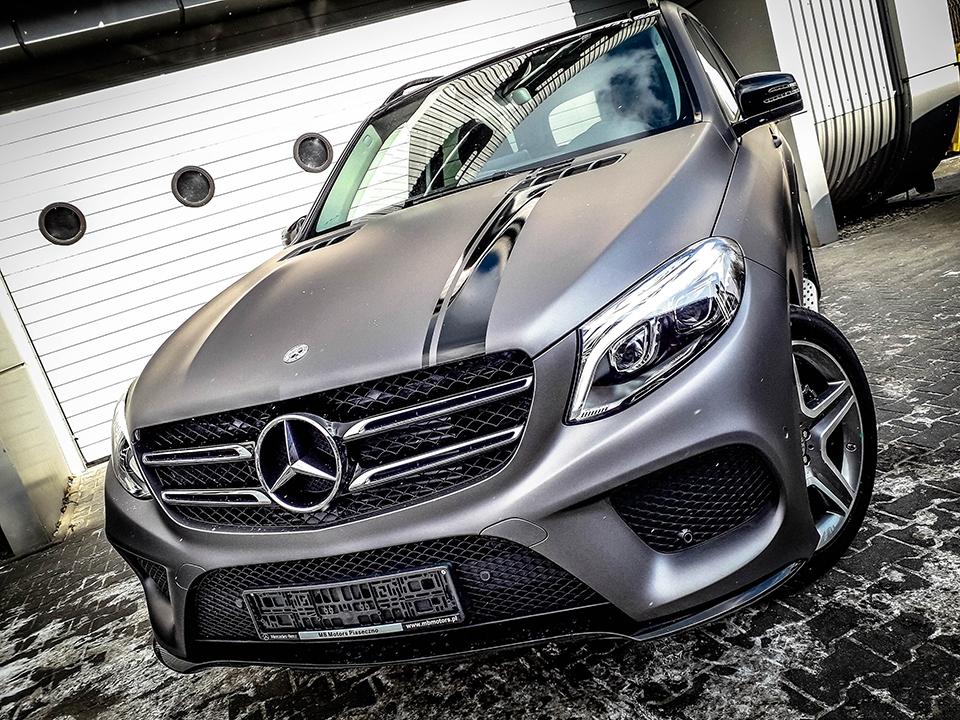 pasy na samochodzie Mercedes GSL